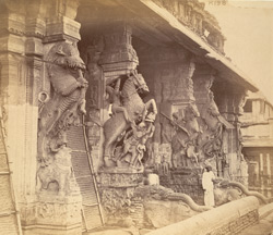 Close view of the entrance to the Pudu Mandapa, Minakshi Sundareshvara Temple, Madurai